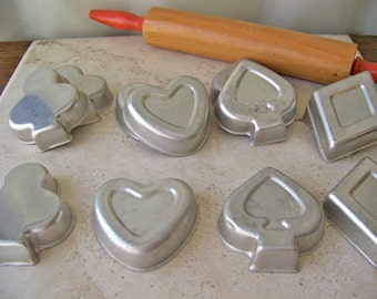 Vintage Baking Pan Set Hearts Clubs Diamonds Spades Aluminum Baking Tins Cake Mould Bridge Set Baking Moulds Set of 12 Vintage 1960s