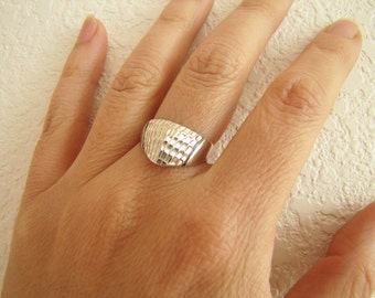 Modernist angle etched Texture cut Sterling Silver Ring, size 7