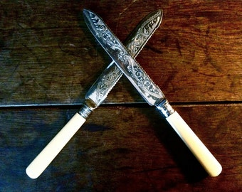 Vintage English fish meat large carving serving knifes stainless steel hallmarked cutlery circa 1940's / English Shop