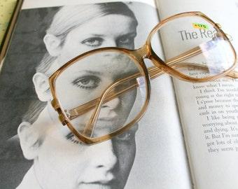 Vintage JACKIE O Reading Glasses..reading glasses. classic. groovy. twiggy. mod. retro glasses. librarian. secretary. woodstock. oversized
