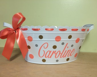 Personalized scalloped oval metal bucket, tub, Baby or Easter gift basket, flower with name or other design