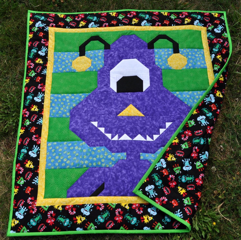 Children's quilt pattern with multiple sizes Alien