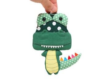 Little cactus green crocodile clutch purse