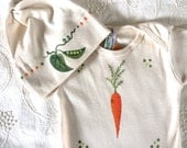 Gender Neutral Baby Onsie Vegetable Bodysuit and Hat Set, Organic Cotton, Natural with Carrot, Sweet Pea, Great for Babies first Vegetables