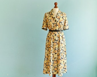 Vintage Floral Shirtdress Dress Yellow Navy Blue / Buttoned top / Short Sleeves / Double collar / Midi Long / medium