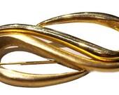 Vintage Gold Tone  Wavey  Brooch ,Large Brooch in Gold Tone Very Nice Piece!  jewelry, brooch, vintage