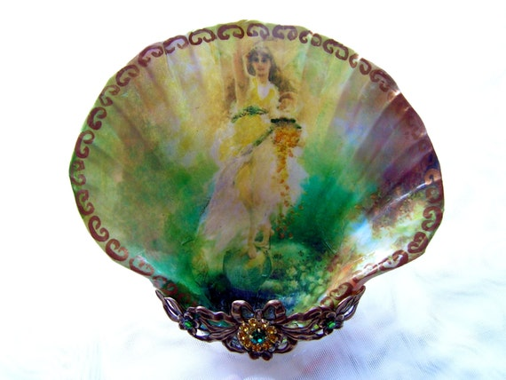 Angel Of Fortune Shell Jewelry Dish