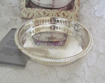 Old Hampshire Silversmiths Round Silverplated Pierced Edge Serving Tray