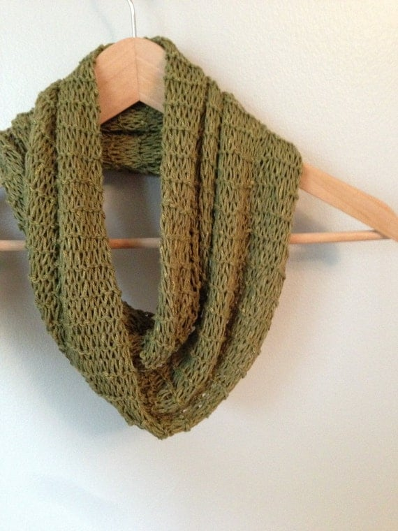 Fast Knit Scarf Pattern : Quick and Easy Infinity Scarf Knitting Pattern