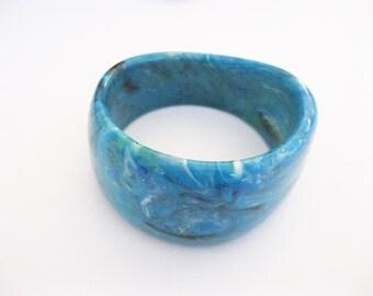 Blue Chunky Bangle Bracelet Lucite Multicolor Plastic Vintage