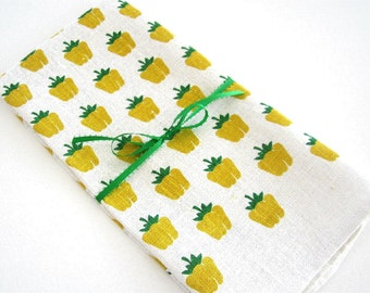 NEW NEVER USED Kay Dee Hand Prints Pure Linen Printed Dish Towel Yellow Golden Delicious Apples Gold Kelly Green
