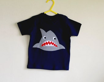 Toothy Shark applique t shirt Age 4-5 years