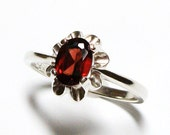 "Garnet ring, solitaire ring, red, birthstone ring, flower ring, red jewelry,  s 7  ""Sangria"""