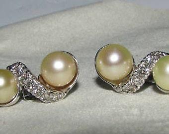 0.50ct Diamonds Culture Pearl Earrings 14KT