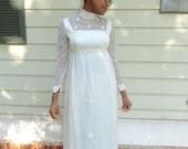 EDWARIDAN VINTAGE DRESS 1960s Vintage Edwardian Sheer  White Swiss Dot Daisy Applique Wedding Dress /Romantic Wedding Dress