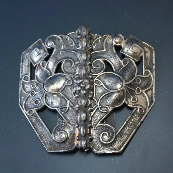 ANTIQUE BELT BUCKLE . victorian silver buckle. flower