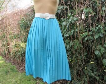 Pretty Pleated Skirt Vintage / Big / Large /  Blue / Size EUR44 / 46 x UK16 / 18