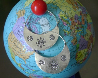 Thai Karen Hill Tribe Silver Earrings - A Crescent Moon(10)