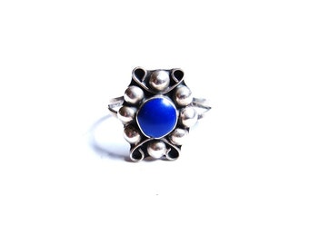 Vintage Modernist Sterling Silver Lapis Lazuli Ring Blue Stone Pinky Ring 1960s Jewelry Size 5