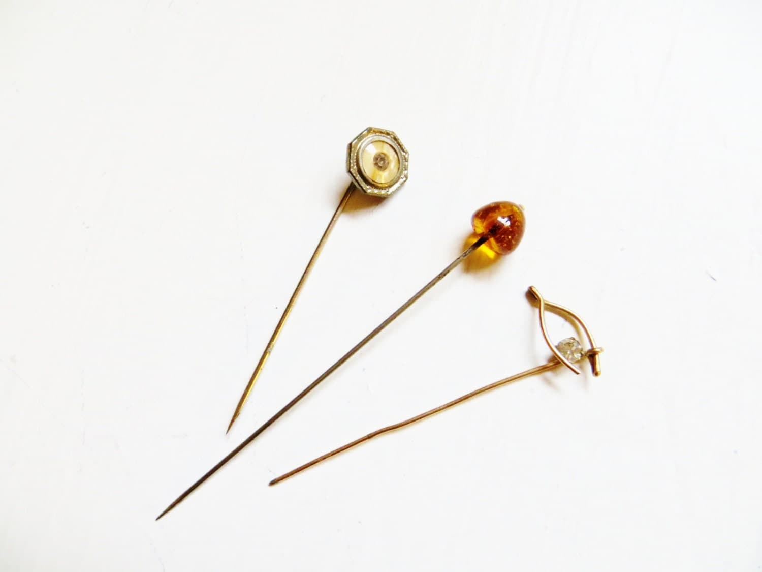 Vintage hatpins how they work