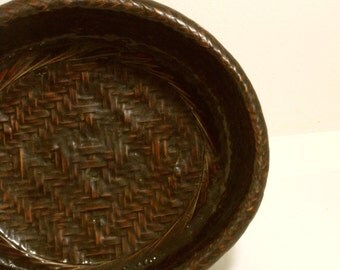 Chinese Lacquered Vintage Basket Bowl