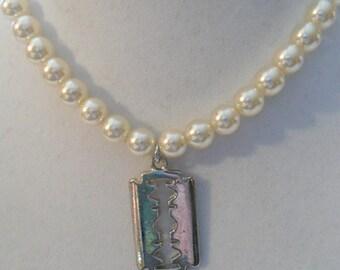 Razor Pearls
