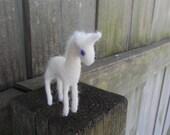 Tiny Wool Unicorn / Needle Felted Fantasy Animal Toy / Fairy Tale White Unicorn Figurine / Waldorf Miniature
