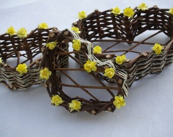 Natural Vine Heart Baskets