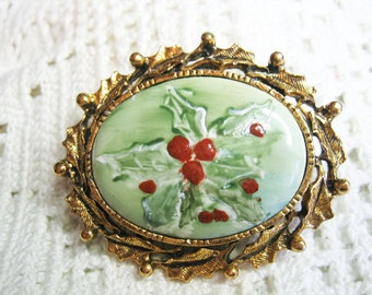 Vtg. Hand Painted Porcelain Holly Berry Christmas Cameo Brooch