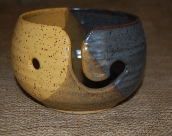 Goldfinch Fishbowl Medium Yarn Bowl