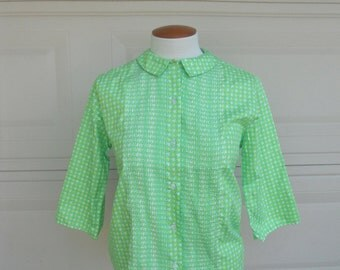 SALE Vintage 60s Summer Blouse. Pintucked Green Print