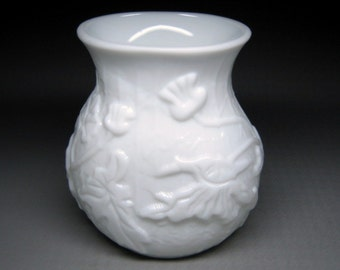 vintage milk glass vase POPPIES poppy leaves & flowers maybe PHOENIX CONSOLIDATED ??