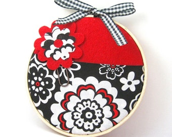 Valentine's Day Gift Card Pocket Holder, Mini Wall Organizer, Red Flower Pocket, Large Flower Paper Clip Bookmark, teacher, hostess gift
