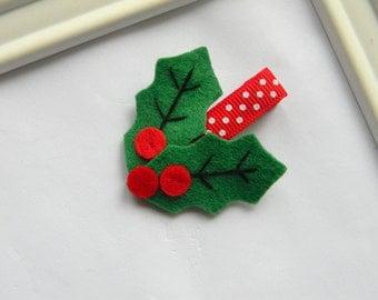 Christmas Hair Clip - Christmas Holly Felt Clippie - Felt Holly Hair Clip - Christmas Clippie
