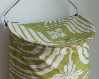 Lidded Clothespin Bag - Green Swirl