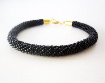 Black beaded bracelet, Beaded crochet bracelet, Beaded rope bracelet, Gold black bracelet, Chic black bracelet, Black rope bracelet
