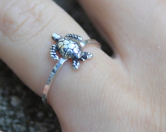 Sterling silver little turtle ring, turtle ring, silver ring, eco friendly, women, statement, novelty, wedding