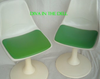 For Pick Up Only -Lovely Mid Century Modern Saarinen Burke Chromcraft Style Tulip table with two matching tulip chairs with green cushions.
