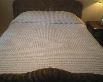 Pretty WHITE on White with Big POPS Vintage Chenille Bedspread - Free Shipping
