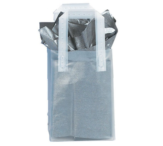 12 small plastic clear plain frosted retail gift bags totes. Black Bedroom Furniture Sets. Home Design Ideas