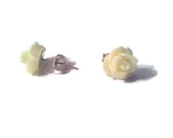 Cream Rose Stud earrings stainless steel resin 10mm
