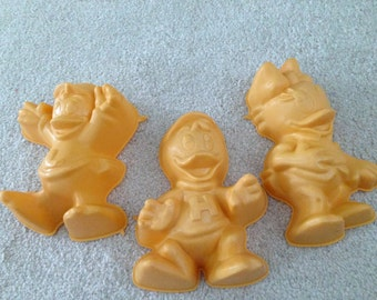 3 Jello Mold Duck Tails plastic  Daffy Huey and Louey
