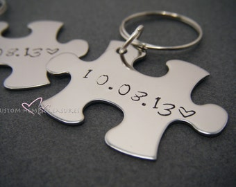Fiance GIft, Anniversary Wedding Date Keychains, Custom Wedding Gift, Gift for Newlyweds, Personalized Keychains, Couple puzzle Keychain