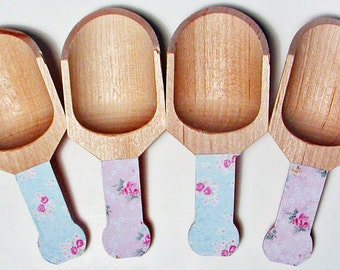 Shabby Chic Vintage Style Wooden Scoops - Set of 4