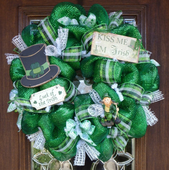 deluxe deco mesh st patrick 39 s day wreath by decoglitz on etsy. Black Bedroom Furniture Sets. Home Design Ideas