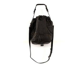 Black Leather Pouch Purse, Handmade Over the Shoulder Bag, Trendy Everyday Handbag, Classic Carryall Balloon Bag, Leather Designer Purse