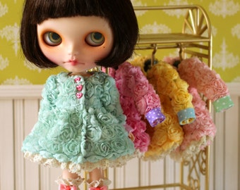 PO - Anniedollz Blythe Outfits Flower Flared Coat - Cool Shadow