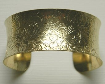 Brass Cuff Bracelet, Floral Cuff, Raw Brass Cuff, Floral Bracelet, Concave Cuff, Oval Cuff, Cuff Bracelet, 27mm - 1 pc. (r240)