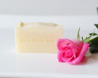 Shampoo Bar with Peppermint essential Oil and Jojoba oil