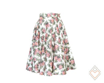 1950s cotton skirt with red tulle underskirt // cinched waist full skirt with metal zipper // floral on white cotton // size XS